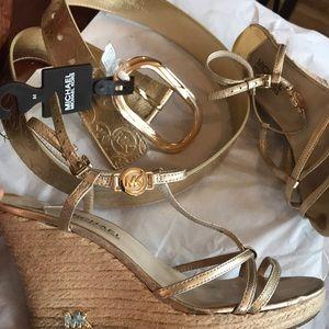 Michael Kors bundle shoes & belt